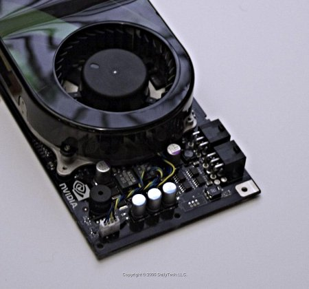 nVidia GeForce 8800 GTX met twee voedingspluggen