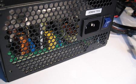 OCZ GameXStream 700W close-up achterkant/binnenkant