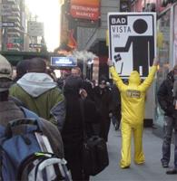 Anti-drm-betoger van 'Defective By Design' protesteert bij Vista-lancering