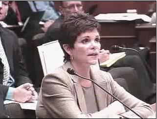 Patricia Dunn in rechtzaal