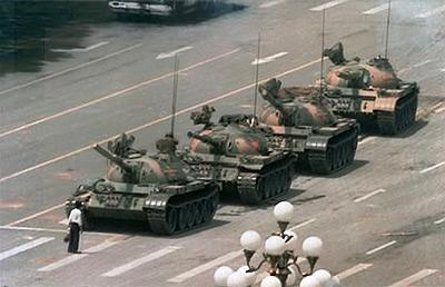 De wereldberoemde Tank Man-foto van Jeff Widener