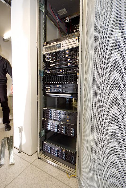 Serverhuizing 30 juni 2007: Oude rack