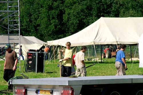 Campzone 2007 - tentbouwers 2
