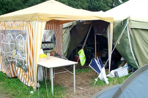 Campzone 2007 - ingang tent