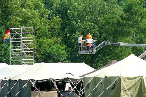 Campzone 2007 - het hangen van de fiber