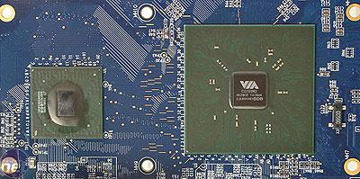 VIA's C7-cpu en CX700M2-media processor
