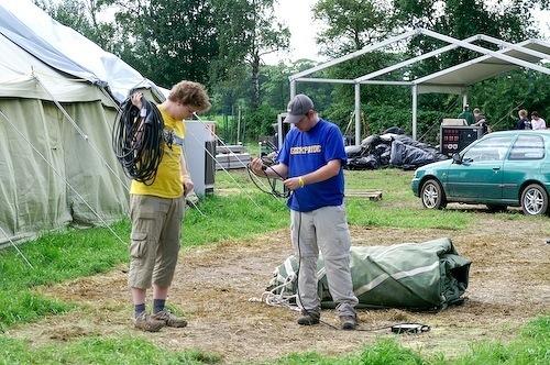 Campzone 2007 - oprollen van stroom