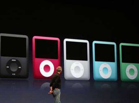 Steve Jobs demonstreert iPod Nano