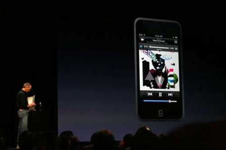 Steve Jobs demonstreert iPod Touch