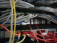 Lan-kabels aan switch verbonden
