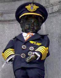 Manneke Pis in uniform
