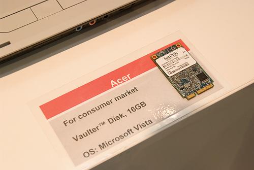 Cebit 2008: SanDisk ssd in Acer notebook