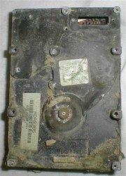 Beschadigde harddisk, afkomstig van verongelukte Columbia