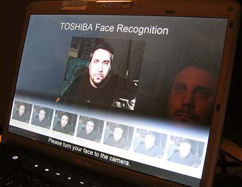 Gezichtsherkenning ter beveiliging op Toshiba-laptop