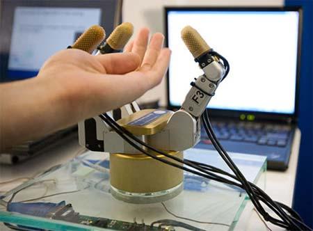Robothand met ef-sensor