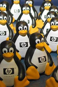 Tux met HP-logo