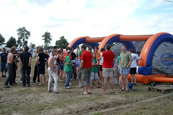 Campzone 2008 - De teams voor de duizelbaan