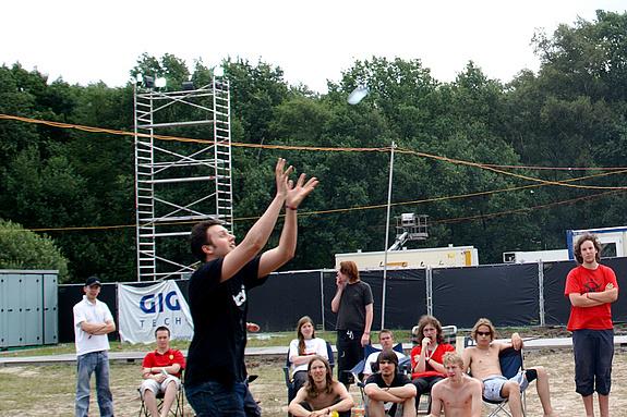 Campzone 2008 - De ballon komt eraan....