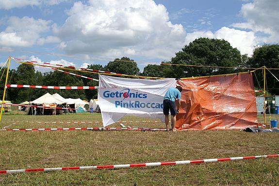 Campzone 2008 - Het waterballonvolleyveld