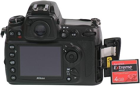Nikon D700 achterkantgeheugenkaart