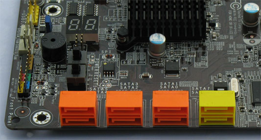 DFI P45 T2RS - SATA connectoren