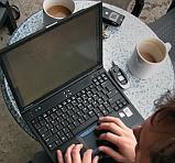 laptop op terras