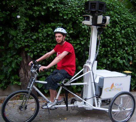 Google Street View-driewieler met berijder