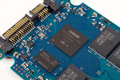 Corsair P256 ssd-controller en dram-chip