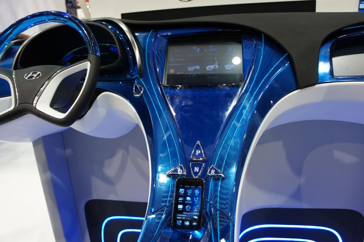 Ces Cartech Elektrische Modellen En Draadloos Opladen In De Auto