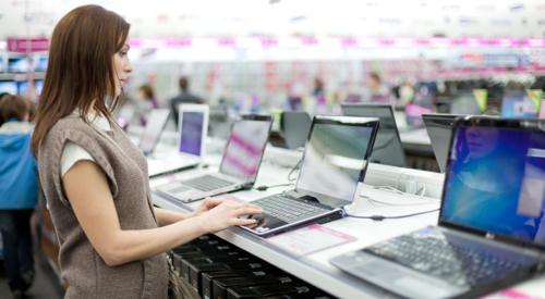 Laptops in een winkel