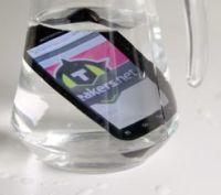 Motorola Defy in bak water
