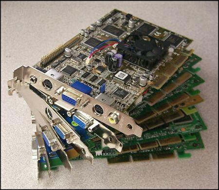 Een hoopje GeForce DDR kaarten