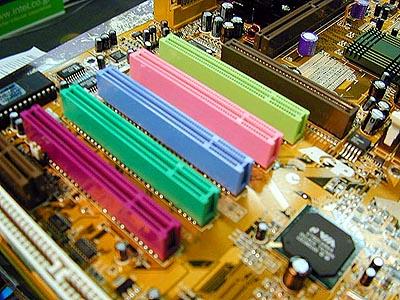 LuckyTech P6K7A KX133 plank met gekleurde PCI slots