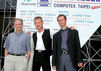 Tom\'s Hardware Guide Computex 2000 team