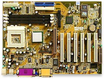 Chaintech 6OJV i815 moederplank (groot)