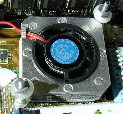 TennMax Lasagna op Asus A7V clock generator