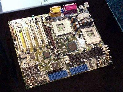 Epox D3SA i815E SMP