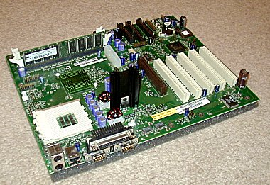 AMD Corona EVT8 reference board met 760 chipset (mobo layout)