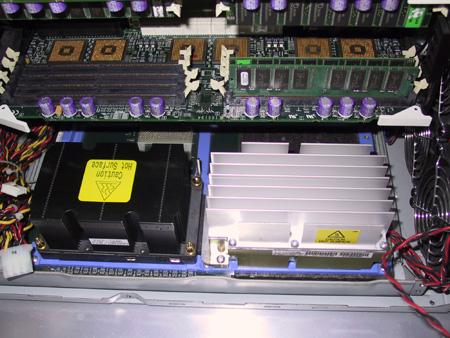 CeBIT 2001 - Itanium systeem (2)