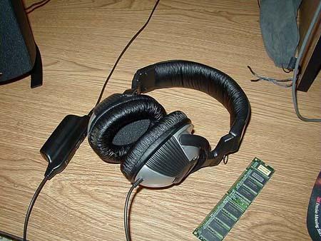 RumbleFX Forcefeedback Headphones