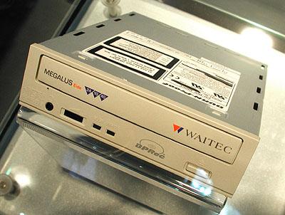 Waitec Megalus 24/10/40 CDRW drive