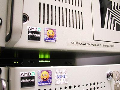 TrueServer verhuizing 2: APC Masterswitch LEDjes tussen   Athena en Arshia