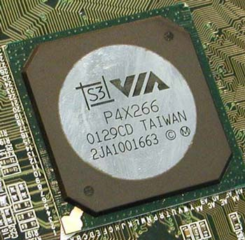 VIA P4X266 chipset met S3 logo