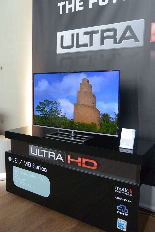 Toshiba M9-tv-serie Toshiba World 2013