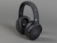 Drie gaming headsets met head tracking