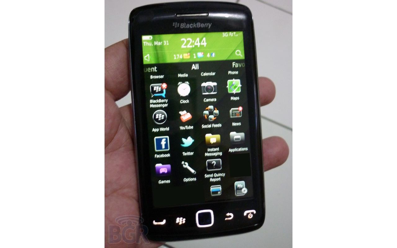 Foto's tonen BlackBerry met groot touchscreen - Tablets en telefoons ...