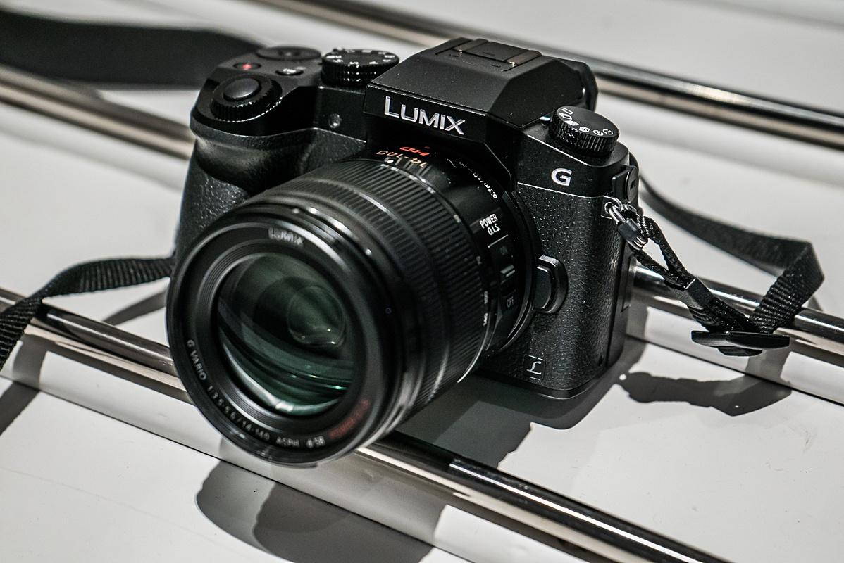 Panasonic G7 En Zijn 4k Fil Tandem K Kit 14 42 Ii Silver Leica 25mm F De Adviesprijs Van Lumix Bedraagt 700 Euro Wat 100 Meer Is Dan