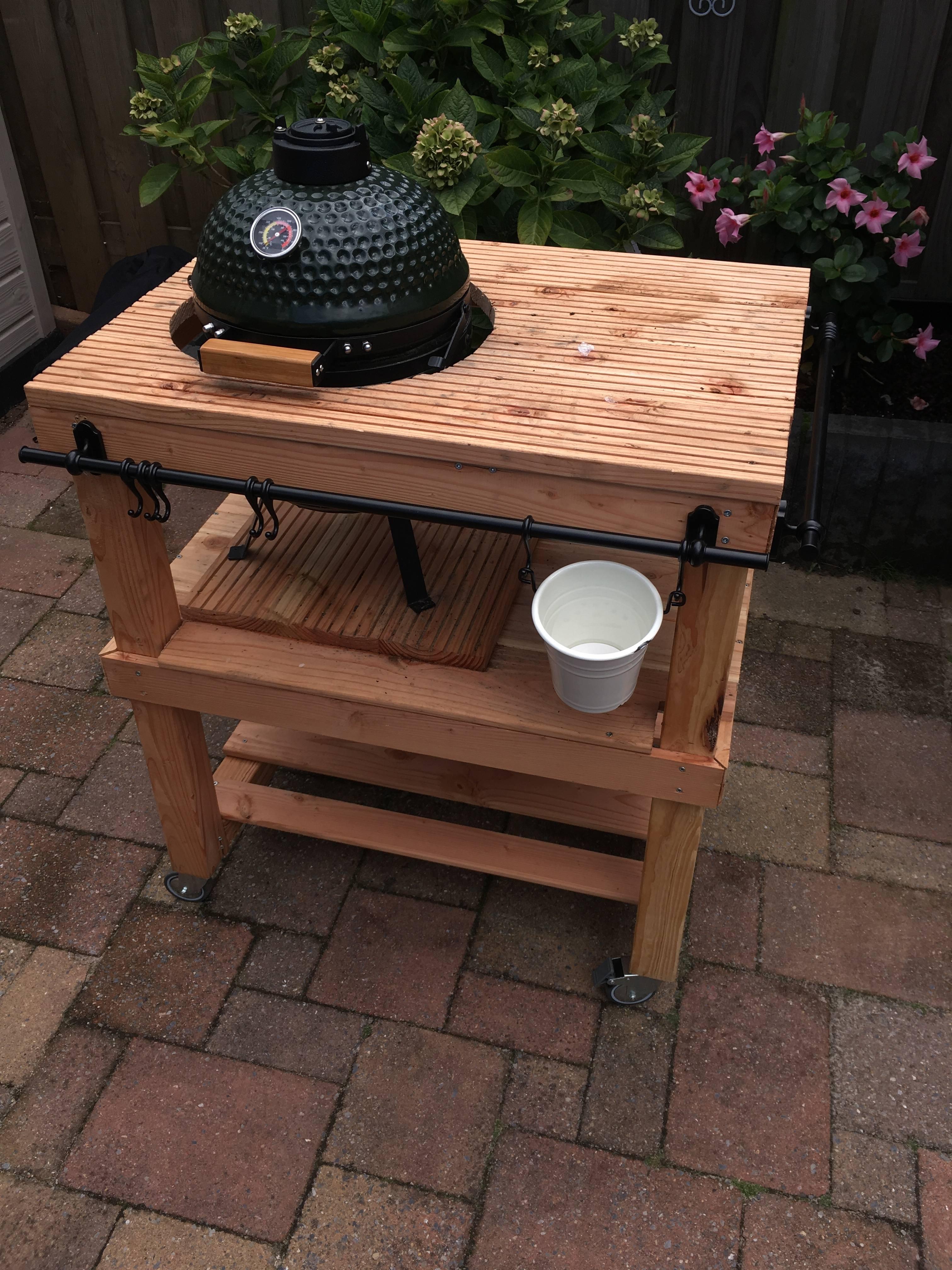 Bbq meubel kamado mini blokker for Bbq tafel maken
