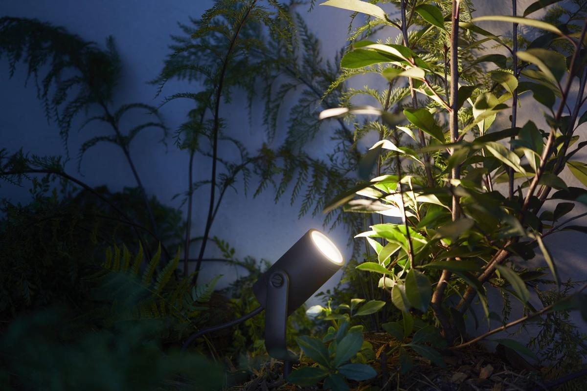 Party Verlichting Tuin : Philips introduceert hue verlichting voor buiten beeld en geluid