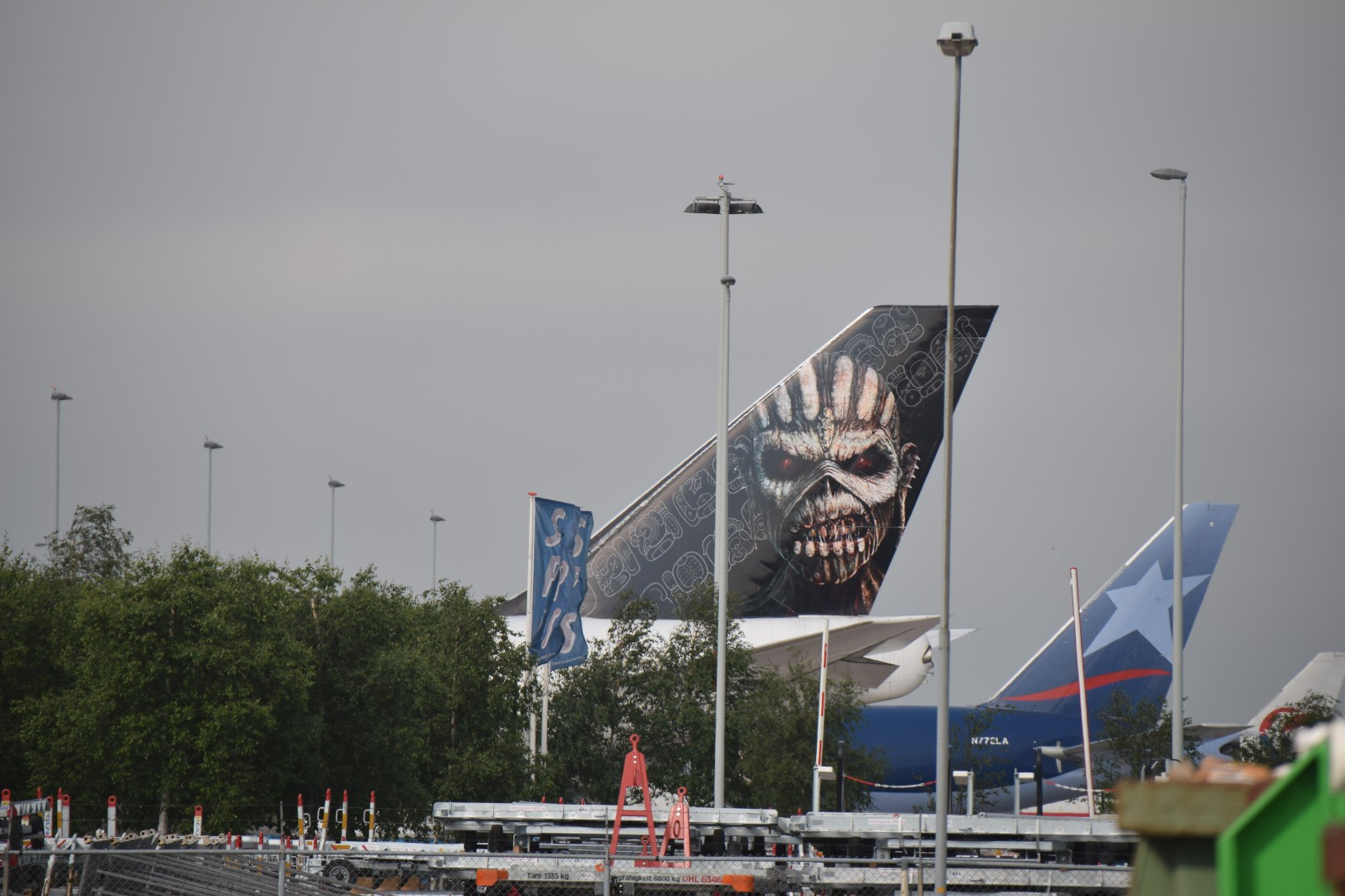 Iron Maiden - Ed Force One - Schiphol, Amsterdam (02)